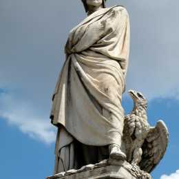 Dante's statue in Santa Croce square (Bruno Barral)