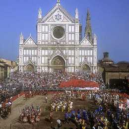 Santa Croce square during the historical soccer